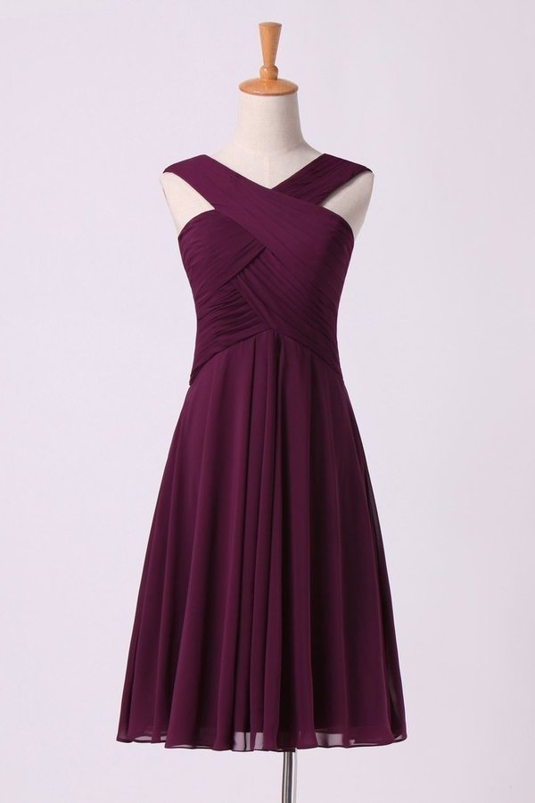 2020 Bridesmaid Dresses Pleated Bodice V-Neck A Line Knee Length PAZBNE63