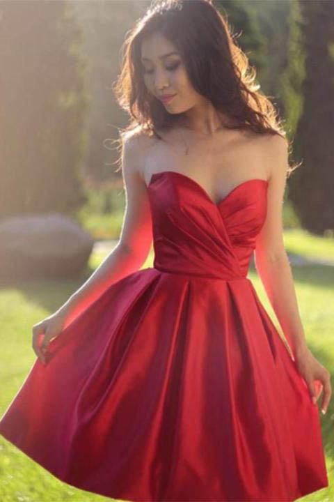 Sweetheart Simple Pleated Red Strapless Satin Party Dresses Short Homecoming Dresses
