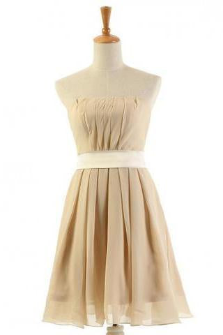 Latest A-line Strapless Knee-Length Chiffon Bridesmaid Dresses
