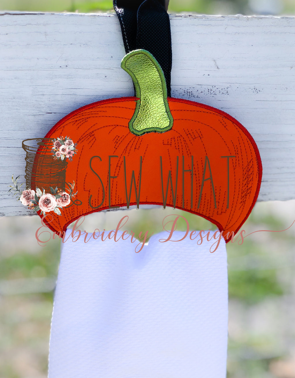 In The Hoop Pumpkin Towel Holder Embroidery Design