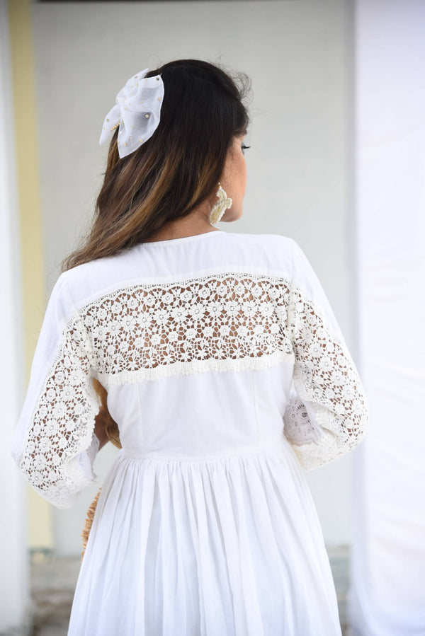 NOOR- KNEE-LENGTH DRESS