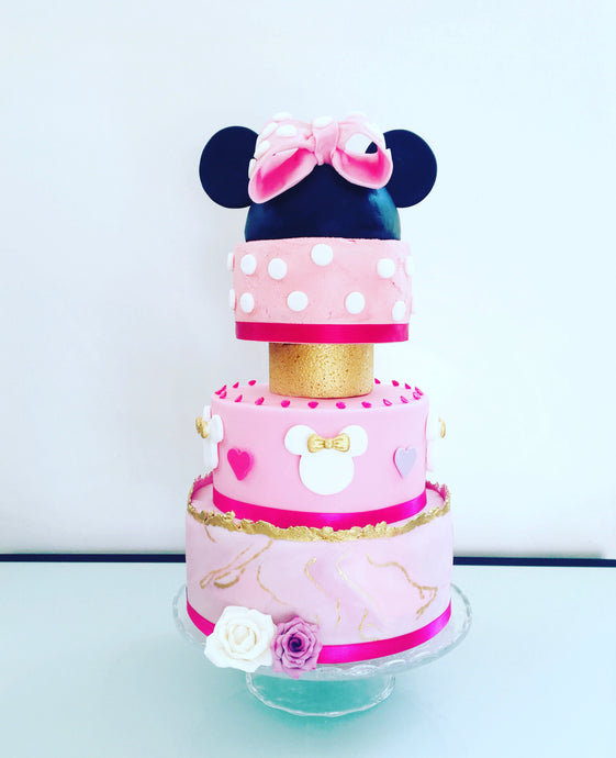 Minnie cake 15 personnes + dummies
