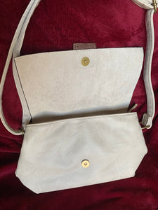Paolo Italian bags off white - Shop Station EG
