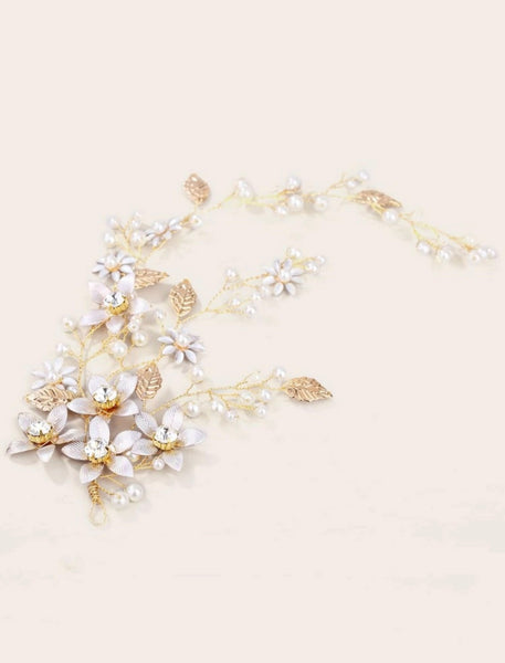Faux Pearl & Leaf Decor Hair Clip - Shop Station EG