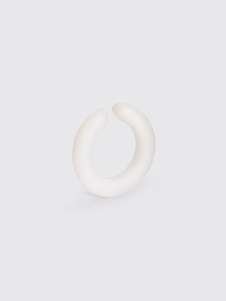 EDGAR WHITE AGATE ear cuff