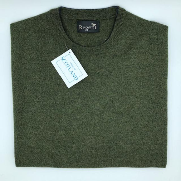 Merino wool  crew neck jumper in moss green from Regent, featuring super-soft and warm composition.