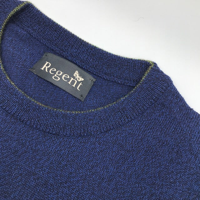 Merino wool crew neck jumper in deep blue from Regent, featuring super-soft and warm composition.