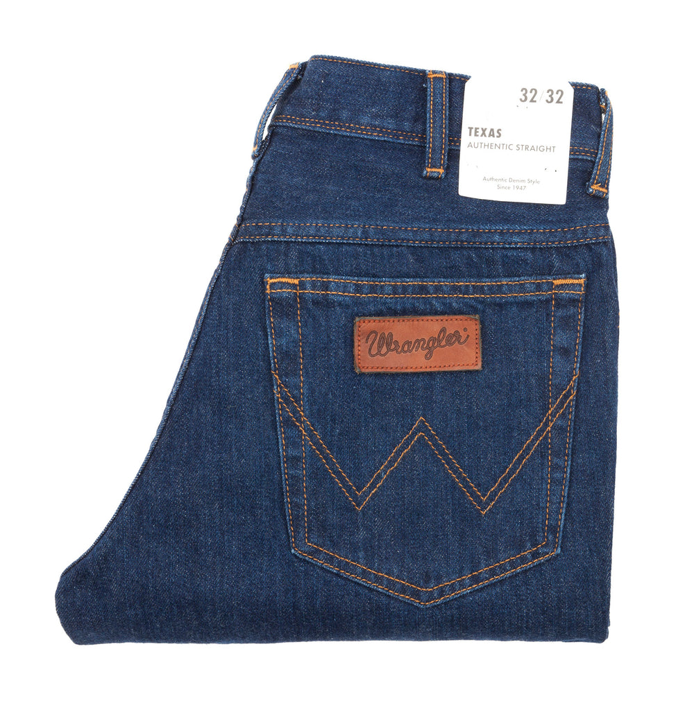 Classic comfortable jeans in relaxed straight fit, made from 100% cotton in a dark blue 'darkstone' denim from USA icons Wrangler.