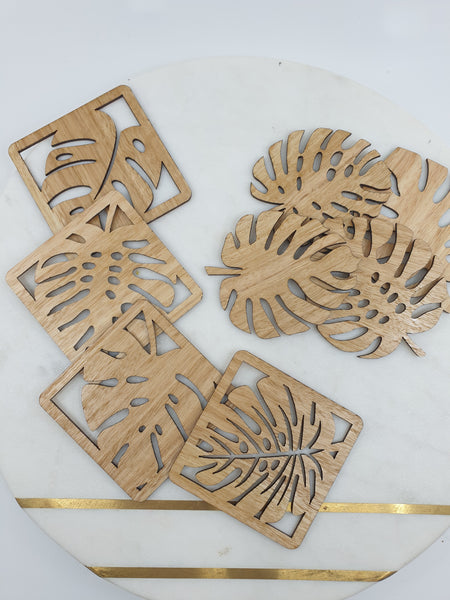 Leaf coasters of eight pieces