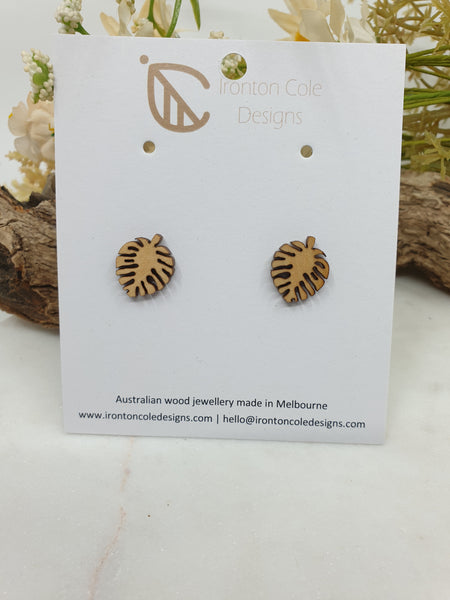 Baby monstera wooden studs