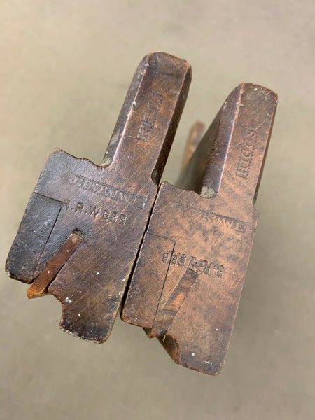 "GOOD PAIR OF BOXED BEAD MOULDING PLANES BY HIGGS 3/8"" & 5/16"" - Boyshill Tools and Treen"