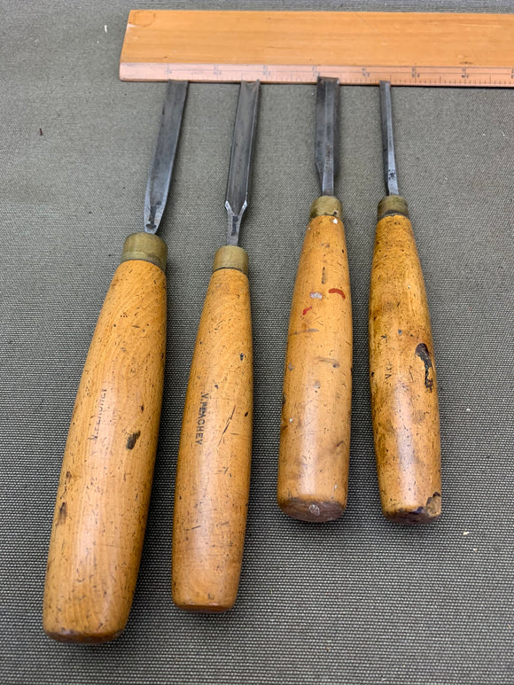 4 BOXWOOD HANDLED CHISELS , SAME OWNER - Boyshill Tools and Treen