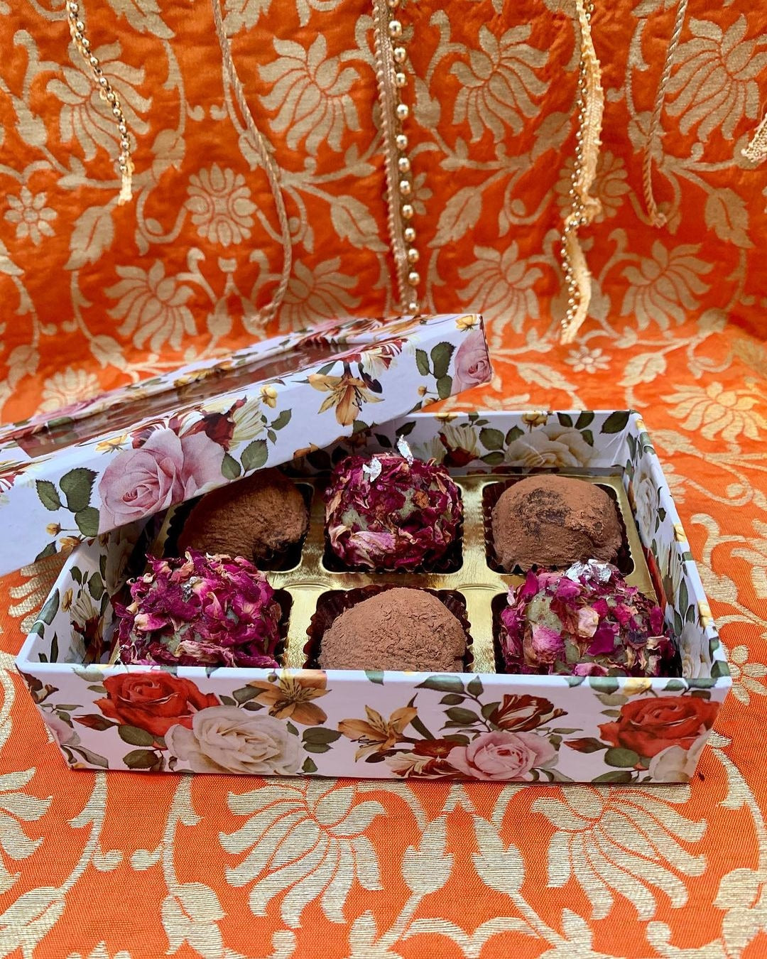 Unbox Wishlist Diwali Hamper with chocolate coconut ladoo and rose pistachio ladoo - 6 pieces🎁