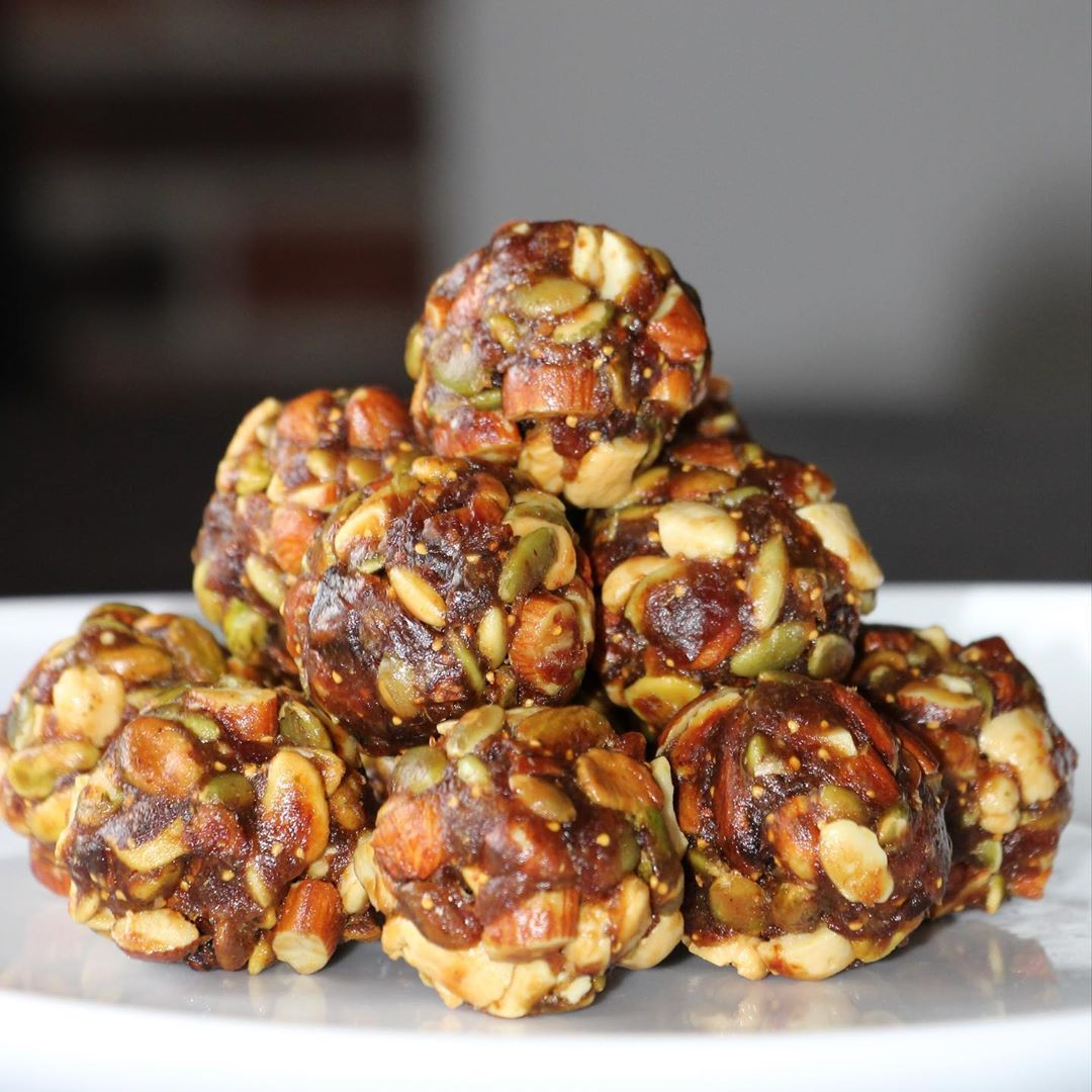 Dryfruit ladoo/laddu | Highly rich in protein & Calcium | Purely Homemade | Low Fat healthy & delicious - No added preservatives - 100% Organic