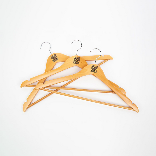 3PK NATURAL WOOD HANGERS SQUARE CREST