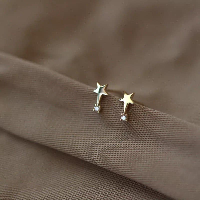 Sterling silver star with diamond