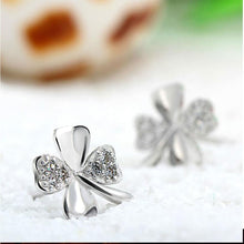 Load image into Gallery viewer, Lucky Clover Stud Earrings