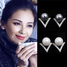 Load image into Gallery viewer, V shape Pearl Stud Earrings