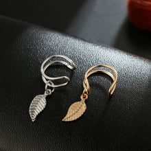 Load image into Gallery viewer, Vintage Leaf Clip On Earrings