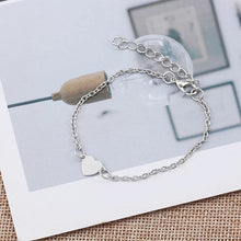 Load image into Gallery viewer, Minimalist Heart Charm Bracelet