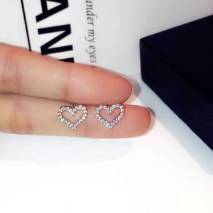 Simple Empty Heart studs