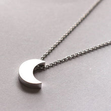 Load image into Gallery viewer, Moon Pendant Necklace