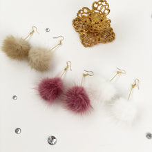 Load image into Gallery viewer, Fur earrings (3 colors)