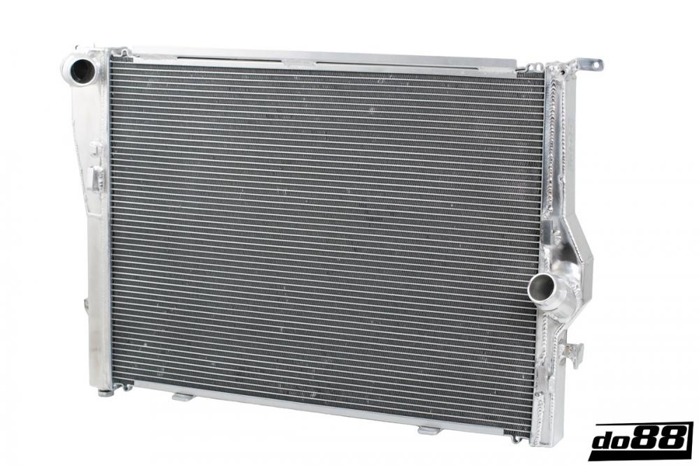 BMW M3 E90 E92 Radiateur d'eau aluminium Racing DO88 - Europe BM Shop