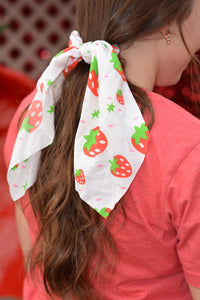 Strawberry Scrunchy Scarf - Cream