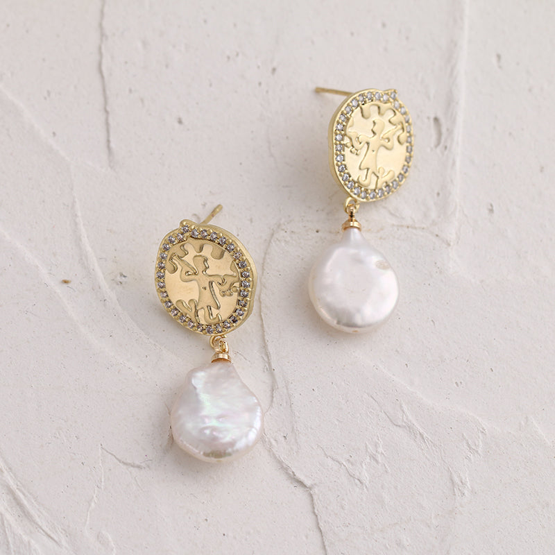 Pearls Dangle Earrings - Blue Belle Alley