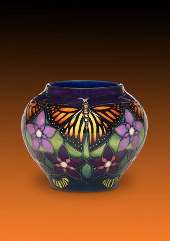 Monarch Butterfly Vase 402/4 (2015)