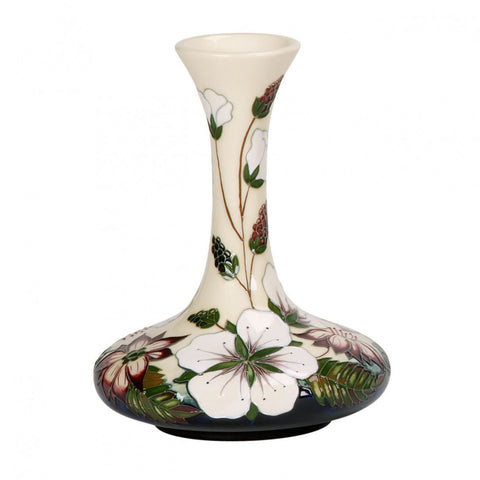 moorcroft-Bramble Revisited Vase 104/6 (2013)