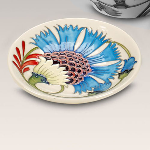 Moorcroft, Cornflower Fan Collection Of Smiles (2014)