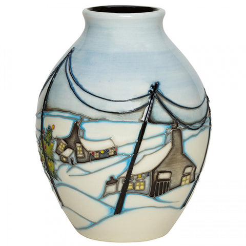 moorcroft-Home For Christmas Vase 3/5 (2018)
