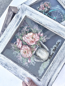 Mini screen with pink flowers in vase