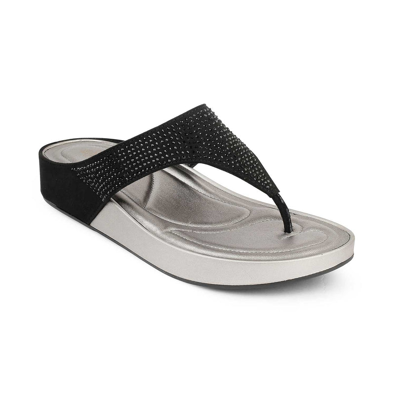 The Dussel Black Flatform Sandals With Details on Strap