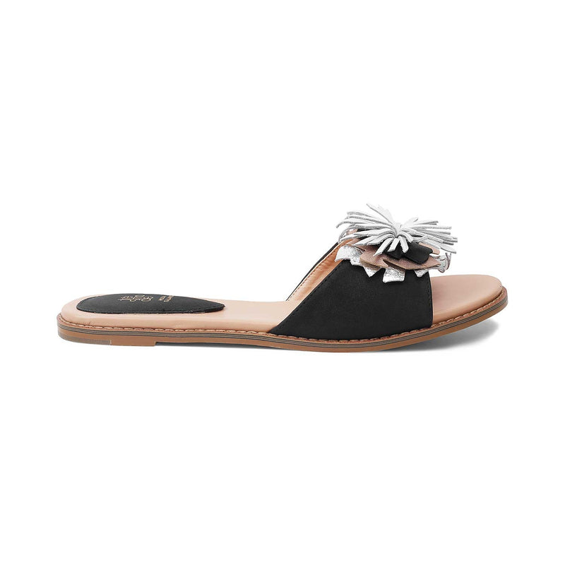 The Forli Black slip-on flats