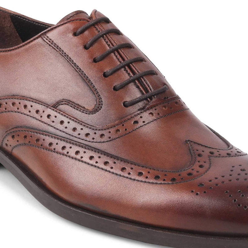 The Yakob Tan Oxford laceups with brogue
