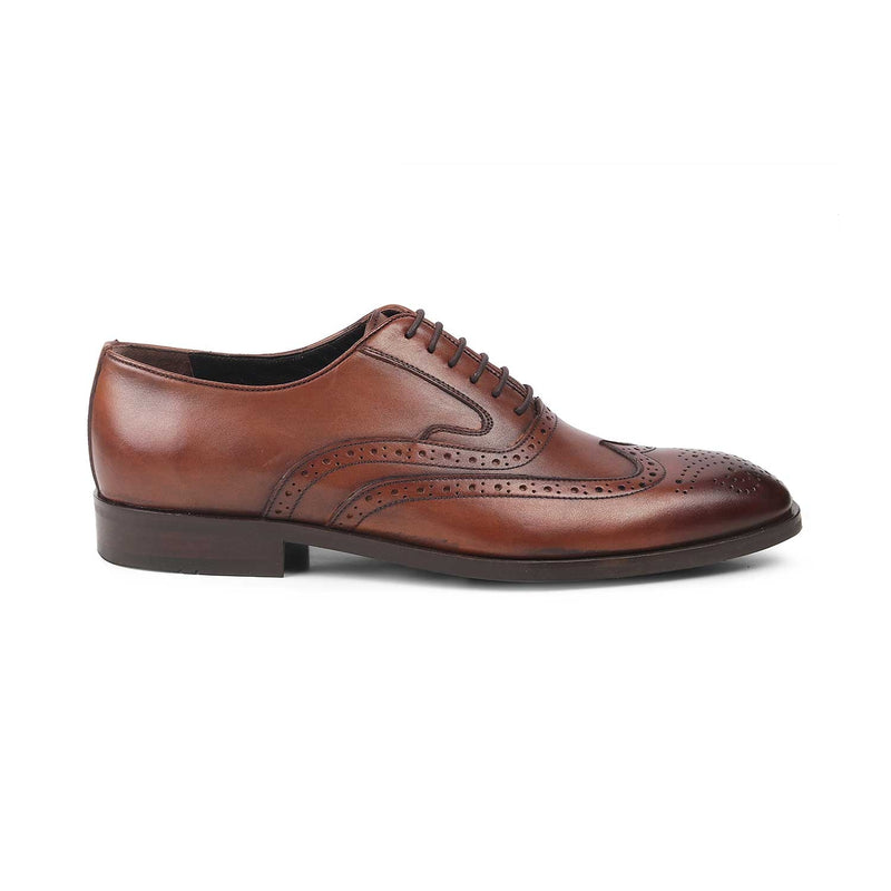 The Yakob Tan - Tan Oxford laceups with brogue - Tresmode