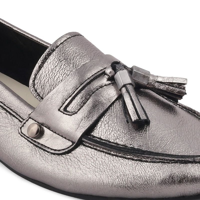 The Reagan Pewter - Pewter Tassel loafers with shimmer body - Tresmode