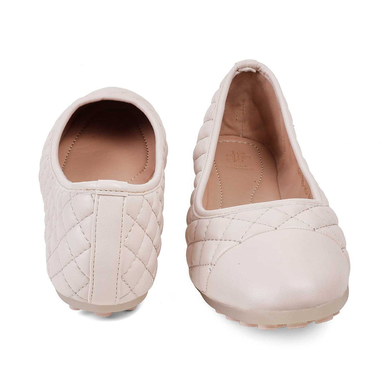 The Viacenza Beige ballet flats for women