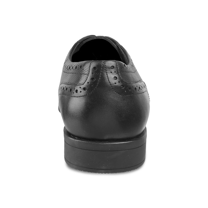 The Rober Black - Black Oxford laceups with brogue design - Tresmode