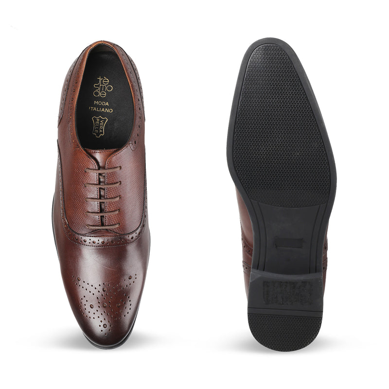Brown Oxford laceups with brogue design-The Rober Brown-Tresmode
