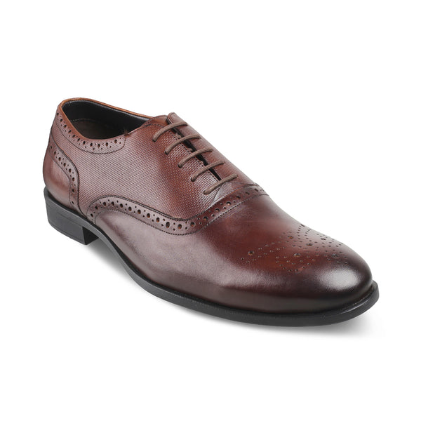 The Rober Brown - Brown Oxford laceups with brogue design - Tresmode