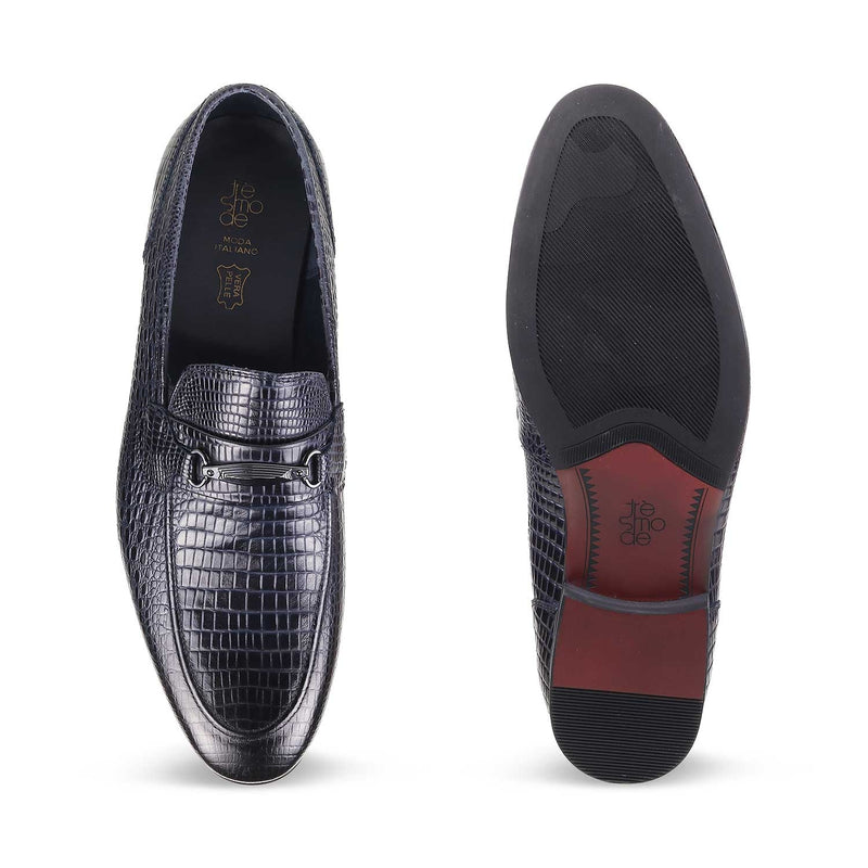 The Tiago Blue textured loafers for men