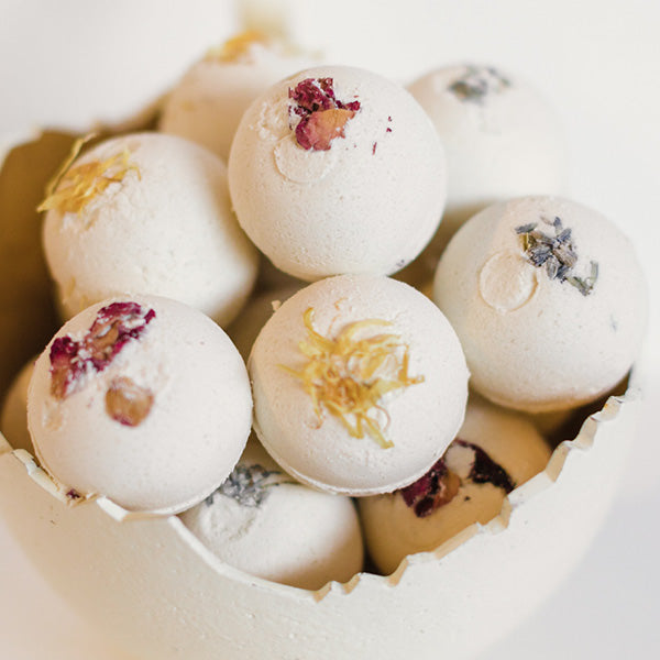 White Tea Ginger Bath Bomb Bath Savvy