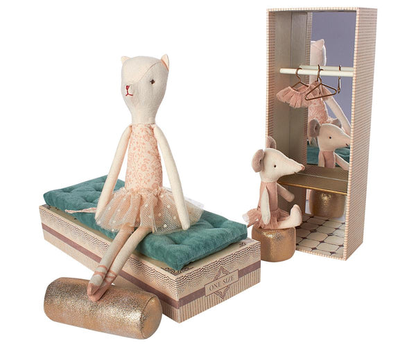 Dancing Cat and Mouse in Shoebox - Mumzie's Children