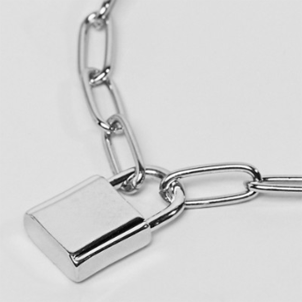 KEENA PADLOCK PENDANT OVAL NECKLACE CHAIN - SILVER