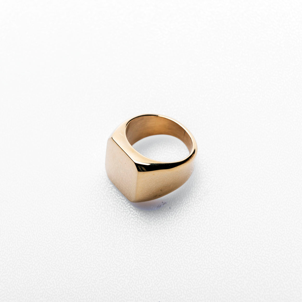 KEENA SQUARE SIGNET RING | GOLD - 54 Floral Streetwear Urban Clothing