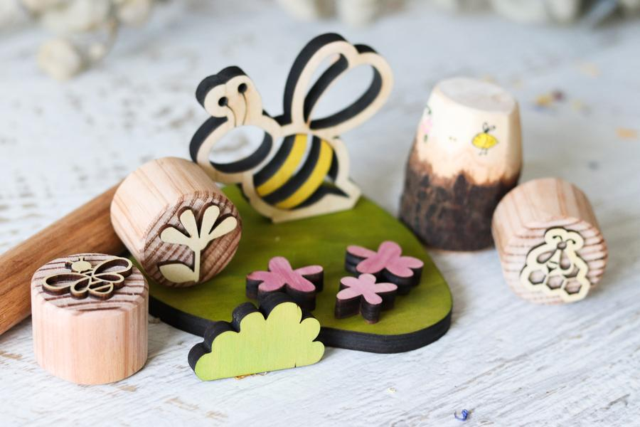 Little Bee Gift Box